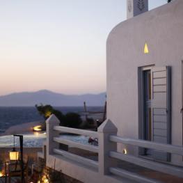 Waterfront Villa & Suites